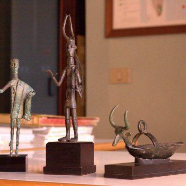 La storia delle indagini che portarono al recupero di questo eccezionale campionario di opere d'arte, tra cui le tre sculture nuragiche